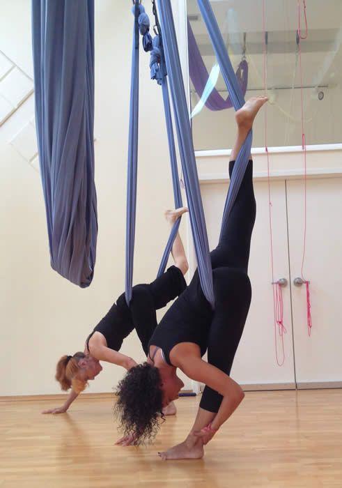 Aerial Yoga - Triangle Yoga