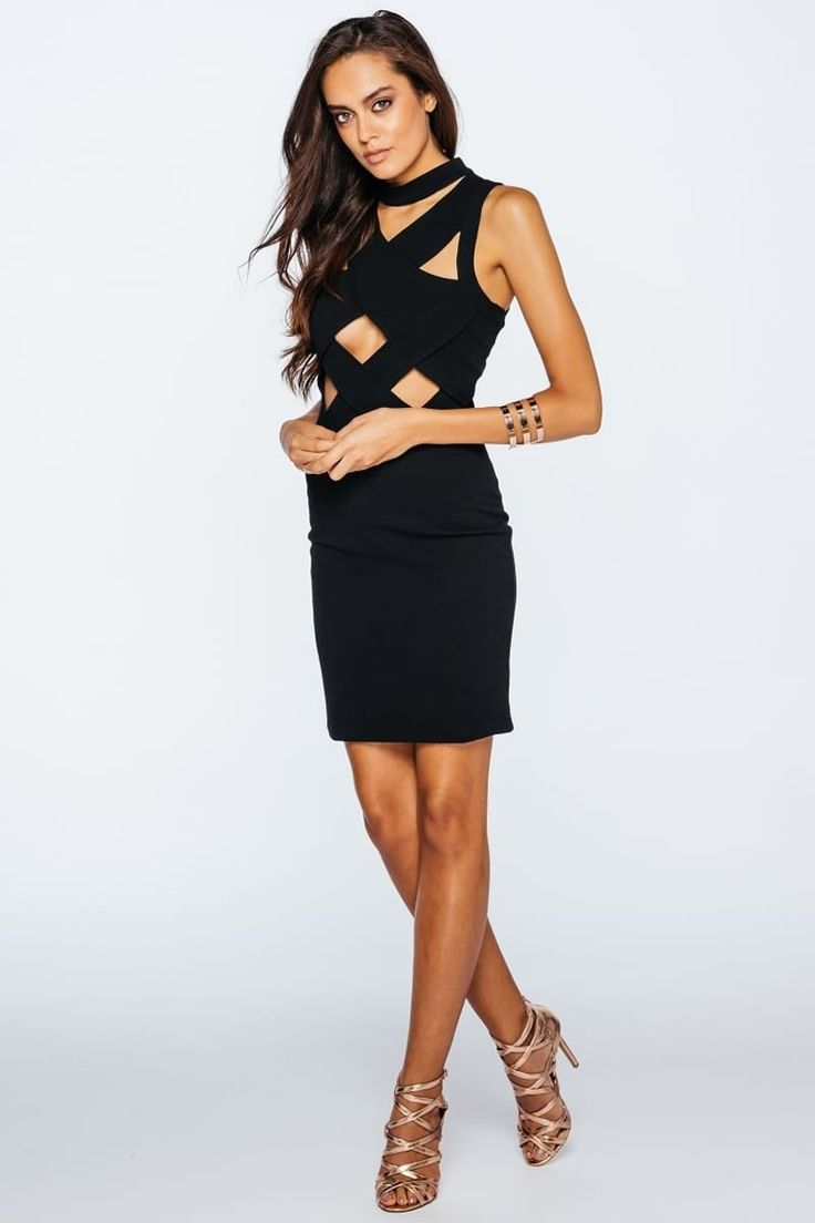 Black Diamond Cut Out με υψηλό λαιμό φόρεμα