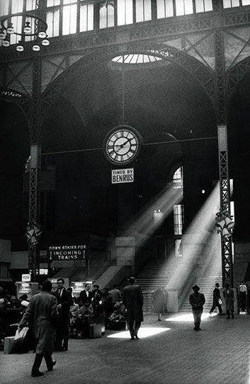 Sabine Weiss. New York 1962.  Undr