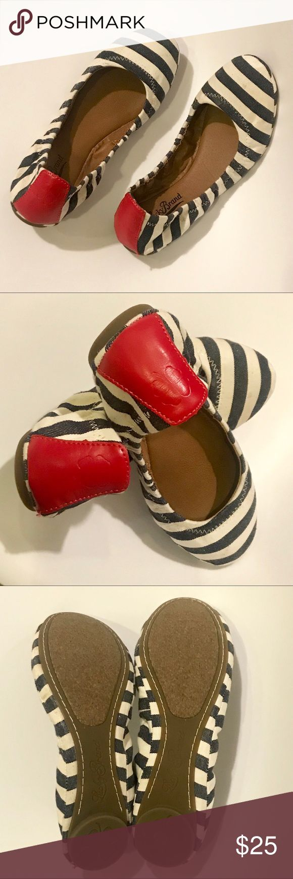 Lucky Brand Erin Striped Ballet Flats 7.5 Brand new, tried on but never worn outside. Very cute and comfortable flats. Ready to ship! Lucky Brand Shoes Flats & Loafers