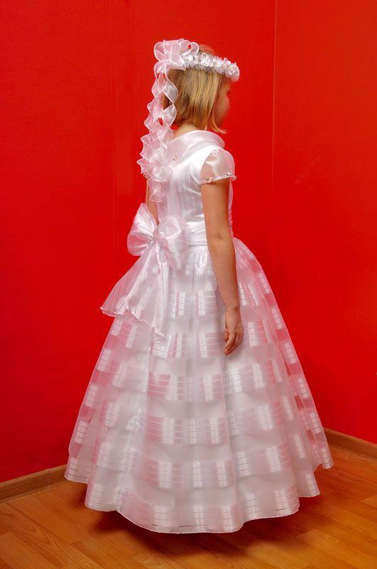 suknie ślubne, szycie sukien ślubnych, Częstochowa, Konopiska, suknie komunijne, szycie sukien komunijnych, bielizna ślubna, biżuteria, dodatki ślubne