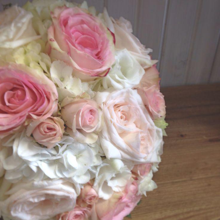 Roses, hydrangea, spray roses