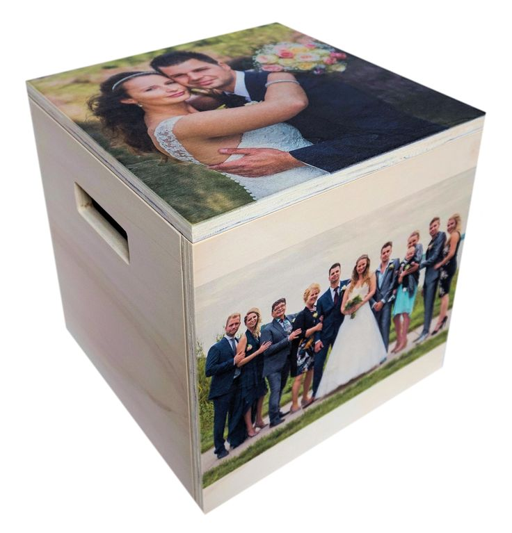 Het huwelijkscadeau: de memory box. Berg alle spulletjes op in deze houten box met fotoprint die aan het huwelijk herinneren. #trouwbox #trouwen #trouwcadeau