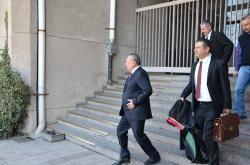 Mehmet Ağar faili meçhul cinayetler için mahkemeye çıktı