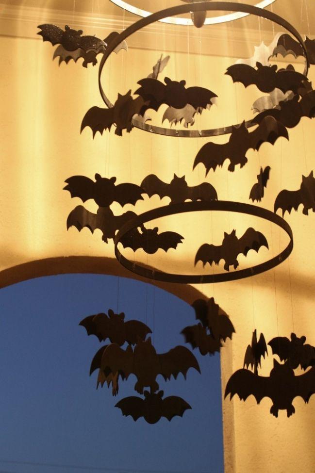 kids party craft idea spooky bats