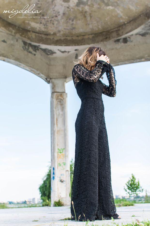 Black lace jumpsuit - petite fashion blogger