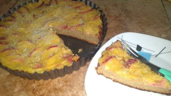 Tarte de aveia com cobertura de pêssego e puré de maçã