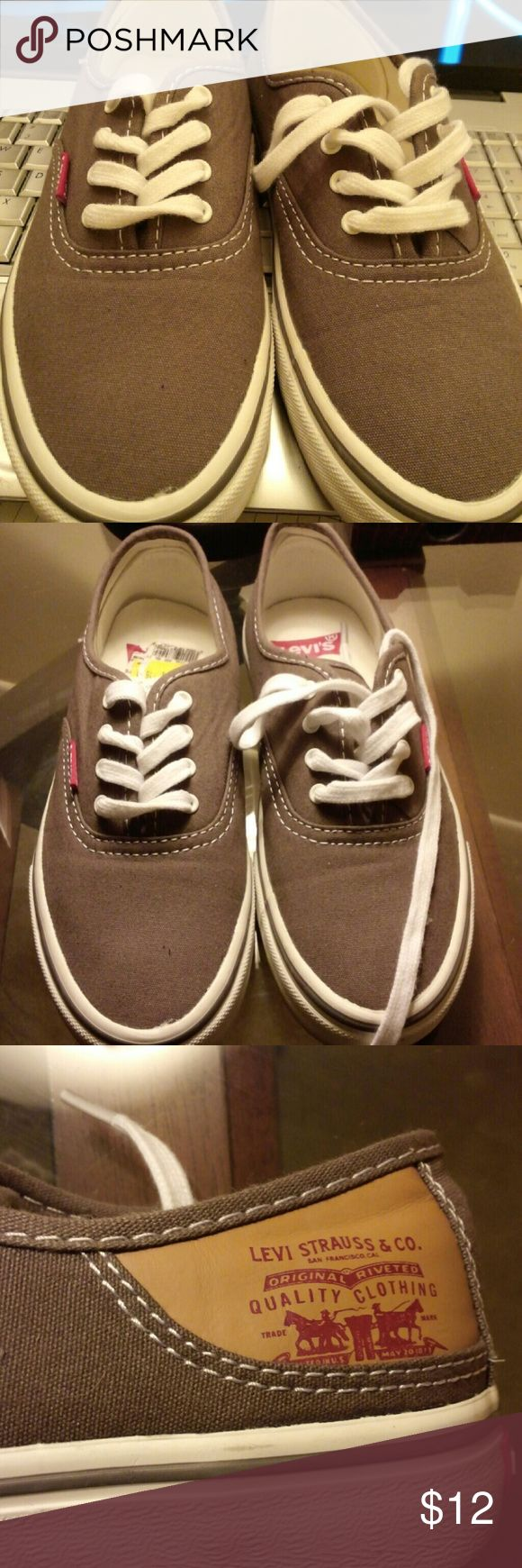 Levis Canvas Sneakers Great condition only worn a few times. Just need a wipe down on the bottom edge Levi's Shoes Sneakers