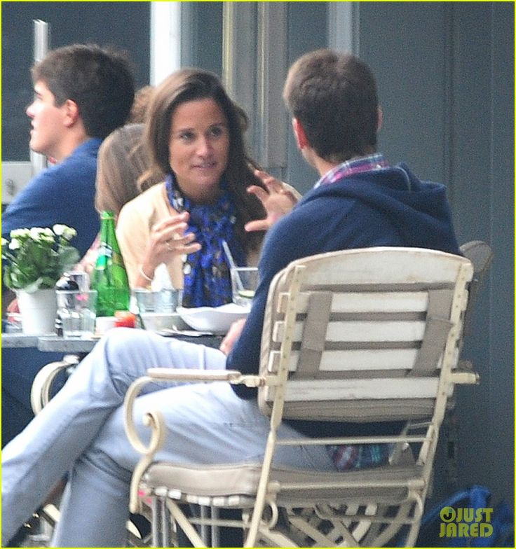 Pippa Middleton Goes for a Friendly Lunch with Ex Alex Loudon | pippa middleton goes for a friendly lunch with ex alex loudon 09 - Photo