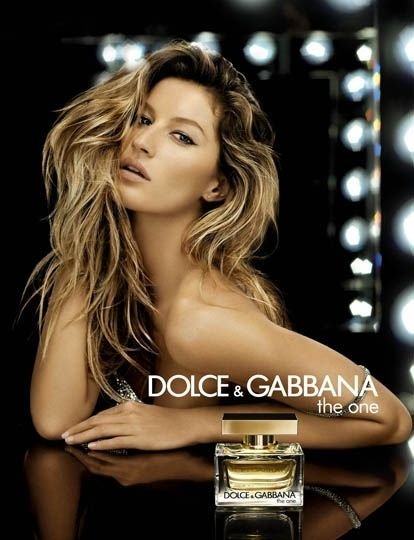 How many perfumes do you need to go from day to night? Just The One.
