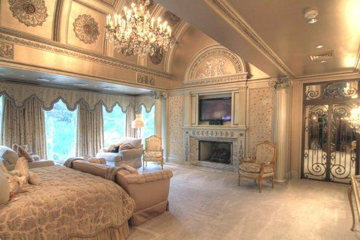 Texas luxury homes for sale at texas Master bedroom in a mansion