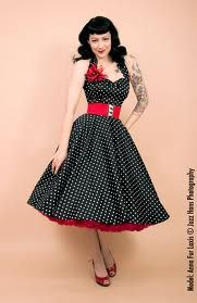 Stitch Fix Stylist, I like this rockabilly dress, black and red, polka dots, for going out swing dancing.                                                                                                                                                      Más