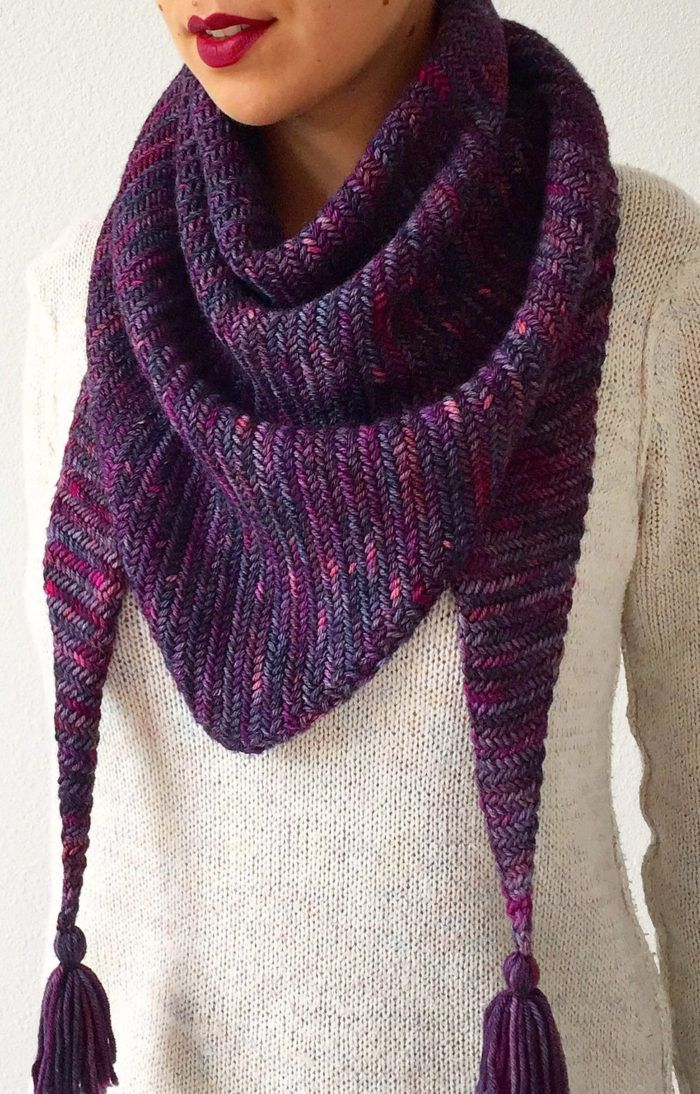 8ade0c222c45 Free Knitting Pattern for Sorceress Scarf - Stylish triangular scarf ...