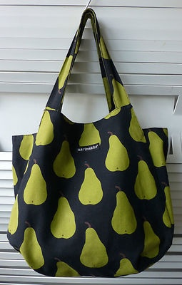 black pear print marimekko tote bag This print is so nice! When Will it be produced Again?