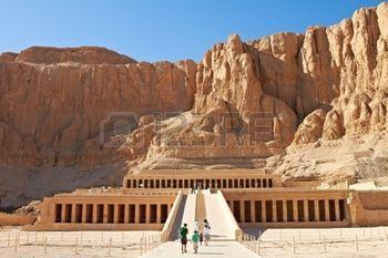 Храм между долиной Царей и Долине цариц, Луксор, Египет фото