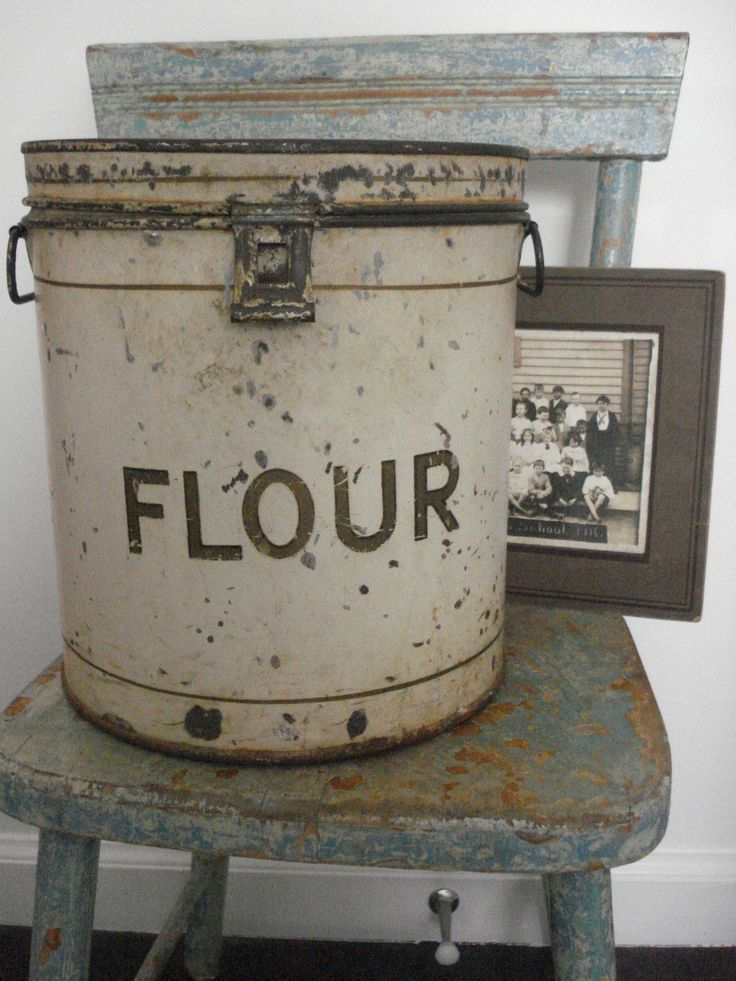 galvanized old flour canister--have never seen one of these in all our antique hunting, but now I sure am looking!