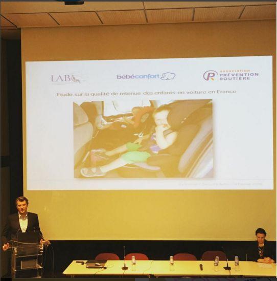 Avisdemamans assiste à la conférence sur la sécurité auto de #bebeconfort pour les résultats d'une étude avec l'association prévention routière - un enfant meurt chaque semaine sur les routes en France - attachons les enfants et ayons les bons réflexes