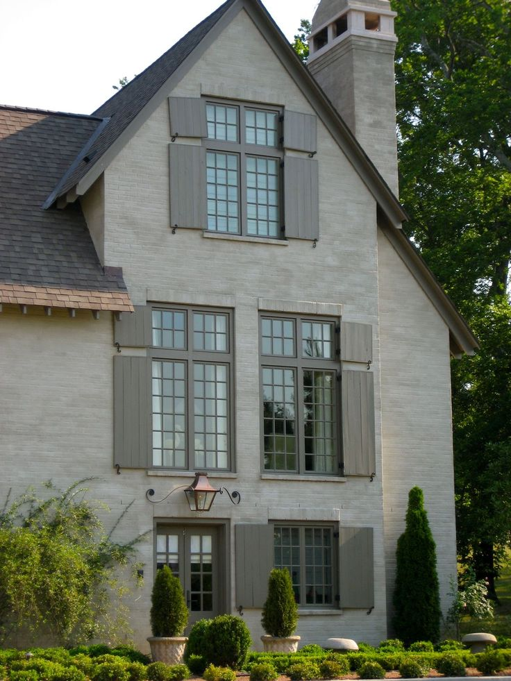 26 best stucco homes images on pinterest stucco homes - Pros and cons of painting exterior brick ...