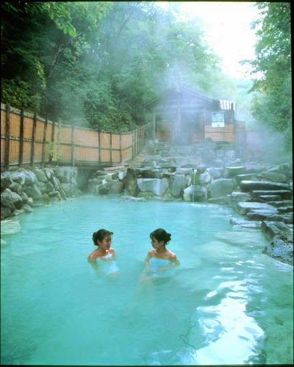 Top 5 Best Place To Visit In Japan - Shirahone Onsen (hot springs)