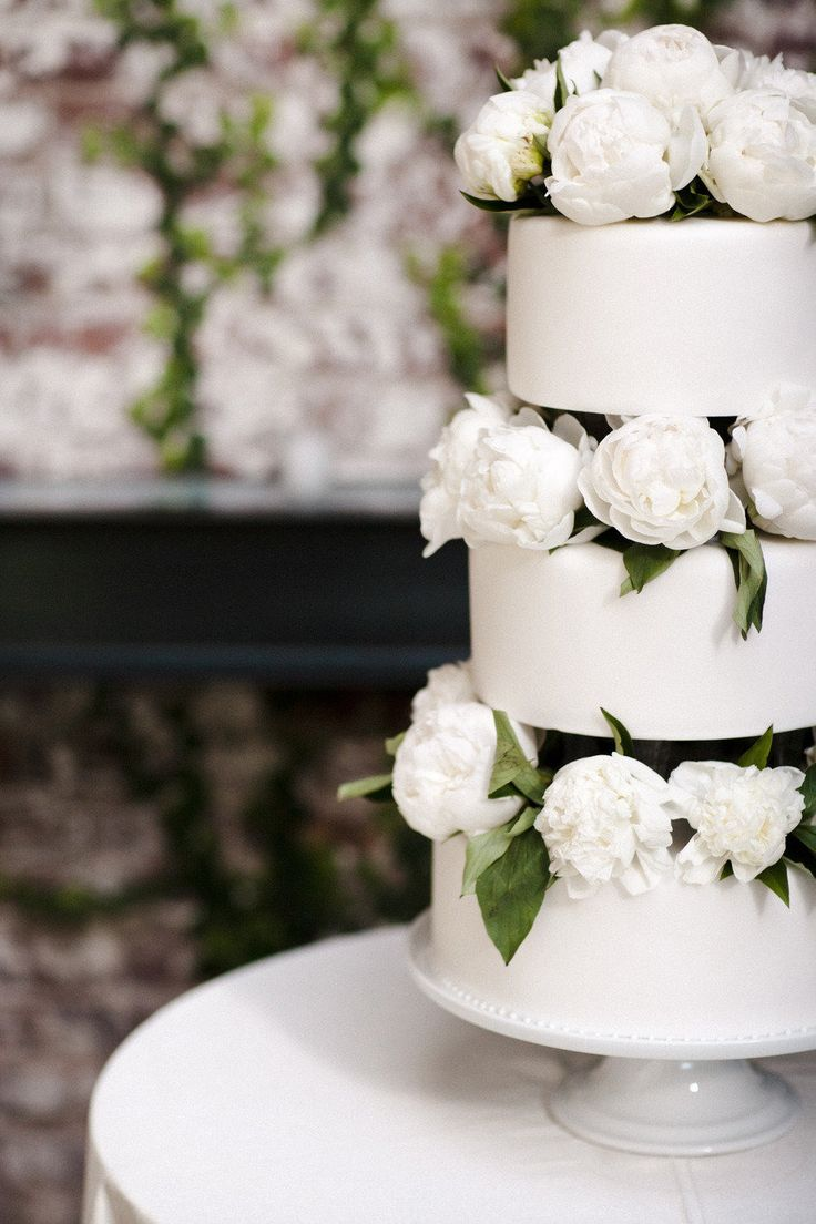 wedding cakes los angeles prices%0A Long Island City Wedding at The Foundry from CLY Creation
