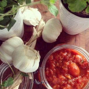 Så gör du klassisk italiensk tomatsås - här är Paolo Robertos goda recept på tomatsås som passar till allt.