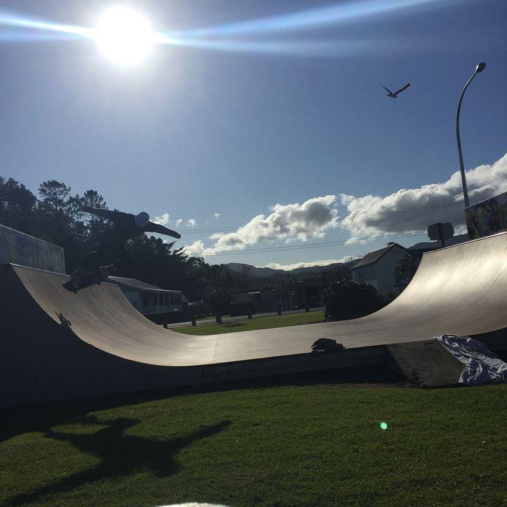 Coromandel, NZ   Sk8te park with a mellow drift