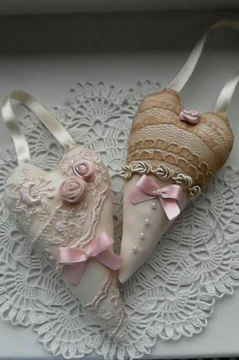 shabby fabric hearts create by Babu Szabo....www.facebook.com/LAteliercrochelaceandroses
