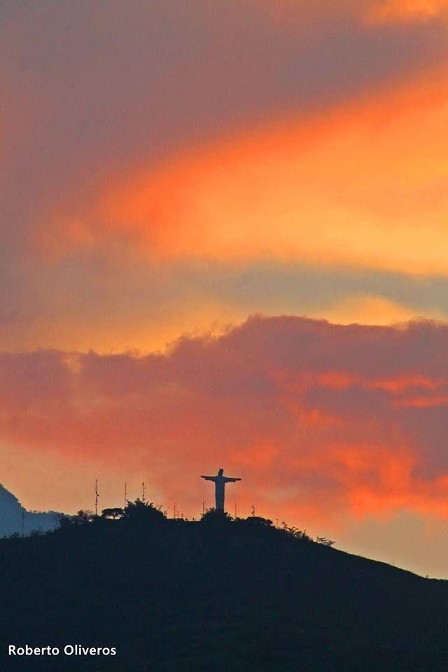 Hermoso atardecer en mi ciudad natal. Cristo Rey, Cali, Colombia