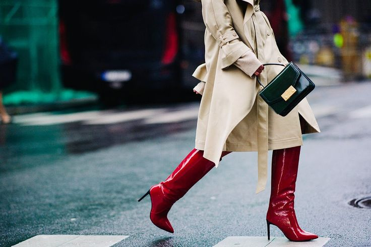 oslo street style red patent boots trench coat green bag darja barannik