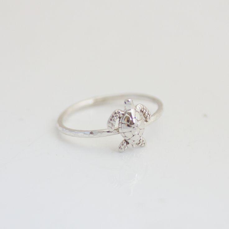 Beuniki Turtle Ring - $36