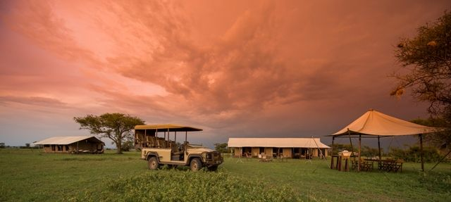 Singita Explore is a breathtaking private use camp on the plains of the Serengeti, that combines an authentic camping experience with comfortable elegance and modern convenience.