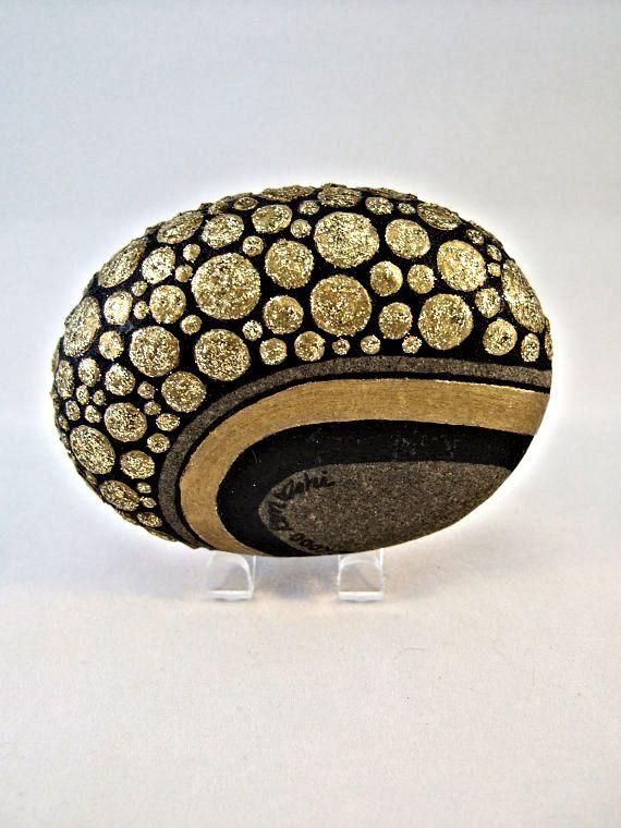 Unique objet d'Art 3D, OOAK, roche peinte, or noir paillettes galets Design, décoration, décor de bureau, cadeau pour elle ou lui, objets de collection