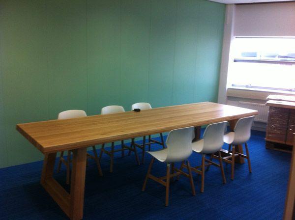 angle tafel van eiken Designtafel van eikenhout