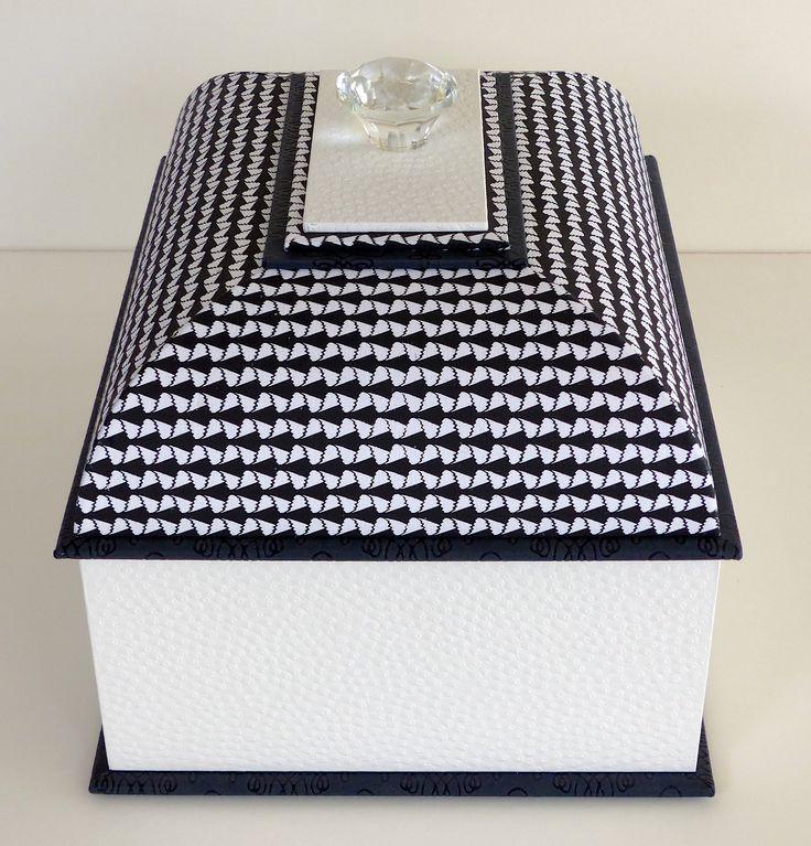 24 best boite mansard images on pinterest cartonnage la boite et bo tes. Black Bedroom Furniture Sets. Home Design Ideas