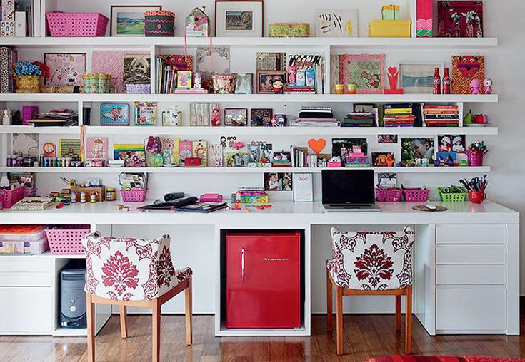 Ooooh! this is my dream craft, computer storage space, Im in luv!!