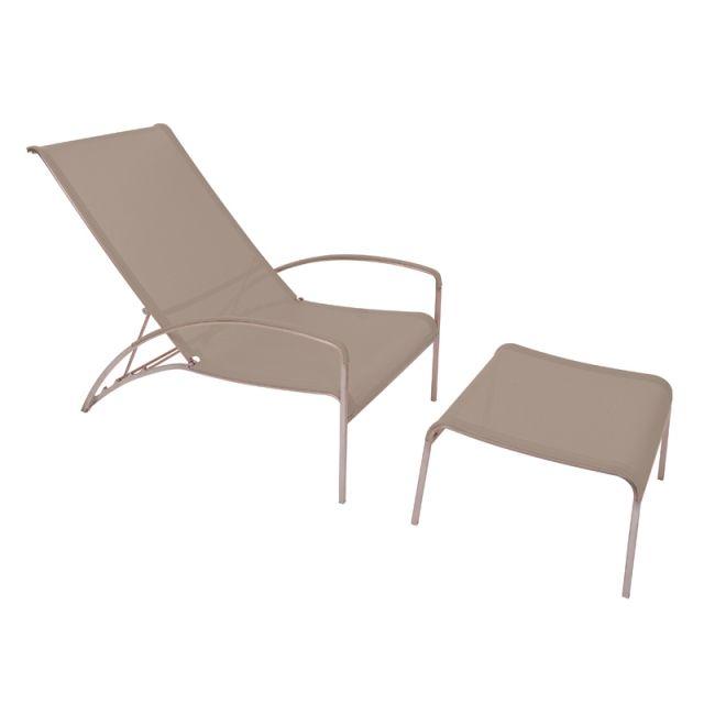 Les 54 meilleures images du tableau lits piscine chaises for Chaises longues et transats