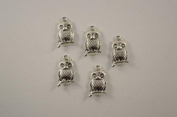 Owl charm necklace 10 pcs 2.5 X 3.5 cm Antique by charmsandmetal