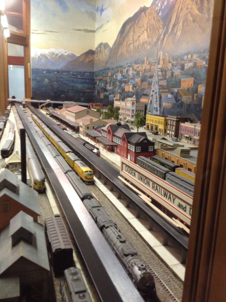 A Caa C A D Train Miniature Ho Scale