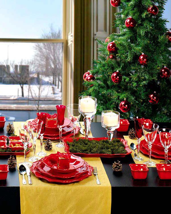 Elegant Christmas Table Decorating Idea