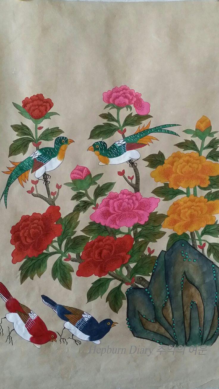 이번에는 모란 꽃잎의 명암을 점으로 표현한 기법입니다.