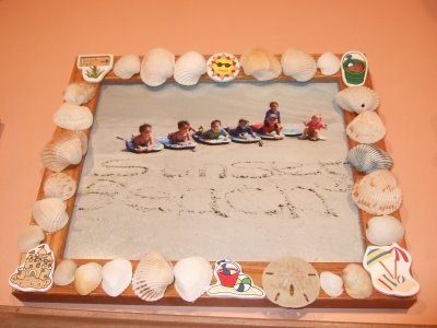 Seashell Frame - brought back the seashells from our trip and hot glued them to a wooden frameSeashells Frames, Crafts Ideas, Wooden Frames, Hot Glued