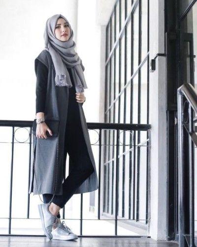 simple sporty hijab style, Sporty hijab street style http://www.justtrendygirls.com/sporty-hijab-street-style/