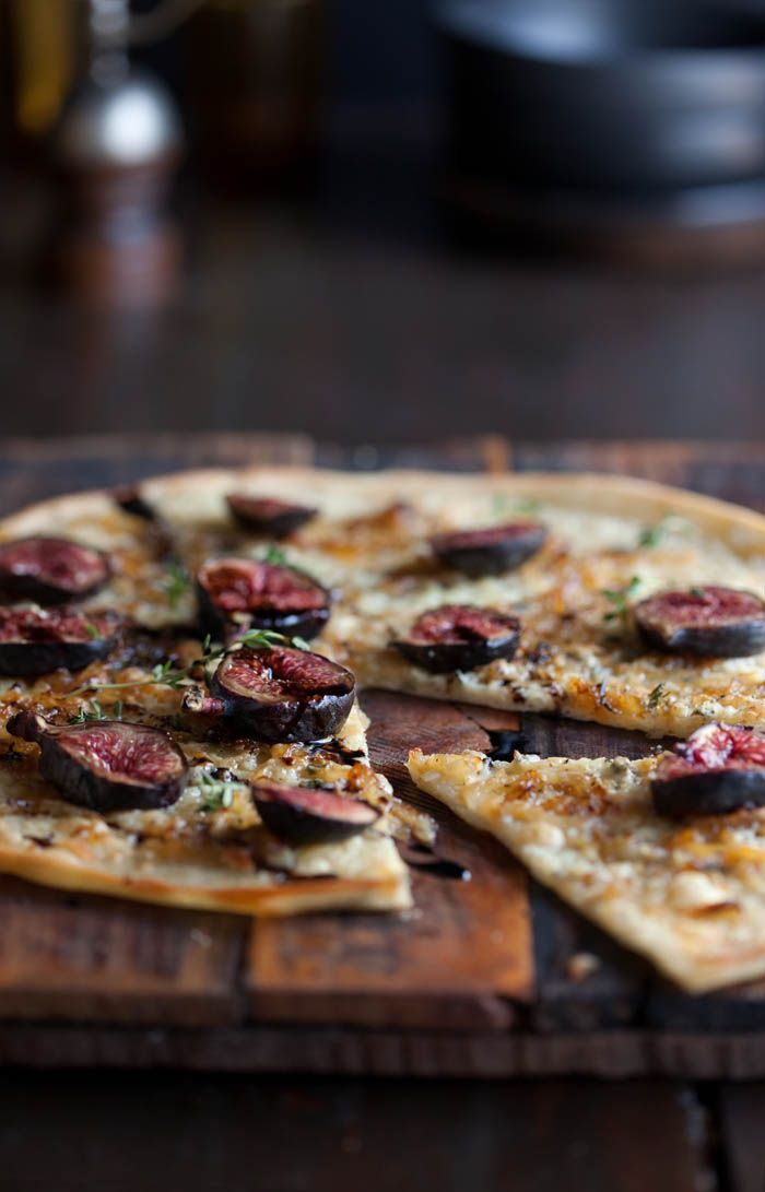 Blue Cheese, Fig & Balsamic Pizza via Drizzle & Dip #recipe