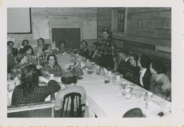 [Women at a banquet] | saskhistoryonline.ca