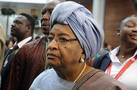 リベリアのサーリーフ大統領=2013年5月、アディスアベバ(AFP=時事) ▼14Nov2014時事通信|エボラ熱の非常事態終結=夜間外出禁止は維持-リベリア http://www.jiji.com/jc/zc?k=201411/2014111301034 #Ellen_Johnson_Sirleaf