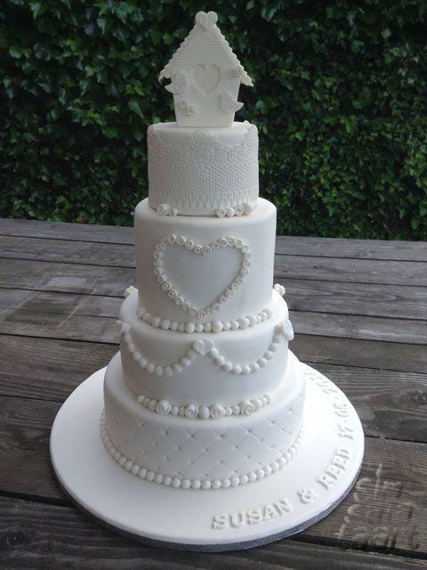 3-lagen witte bruidstaart