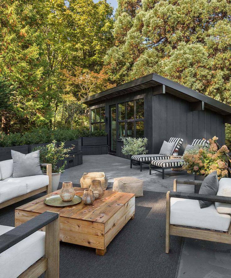 Chic Mid-Century moderne Renovierung von Wäldern in Seattle umgeben
