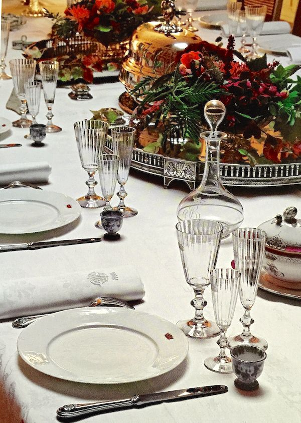 find this pin and more on table setting & Dinner Settings Table. Elegant Dinner Party Table Setting In ...