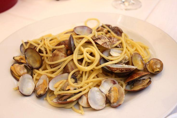 Spaghetti and clams at Osteria der Belli in Trastevere in Rome