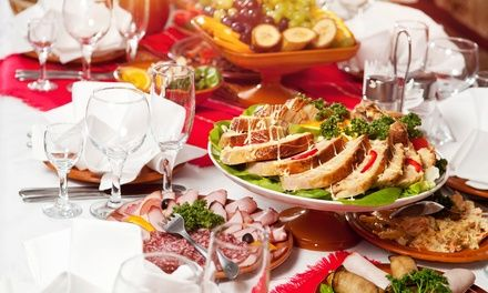 Lunch buffet includes hot entrees, salad, pasta, and dessert; a casual brunch features omelets, fried chicken and waffles, and more
